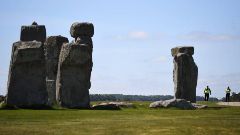 Βρετανία: «Μοναδική» νεολιθική δομή ανακαλύφθηκε κοντά στο Στόουνχεντζ