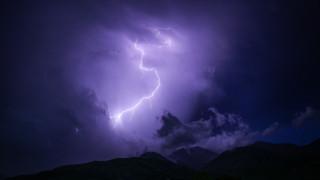 Καιρός: Επιμένει η κακοκαιρία και την Τρίτη - Πού θα βρέξει