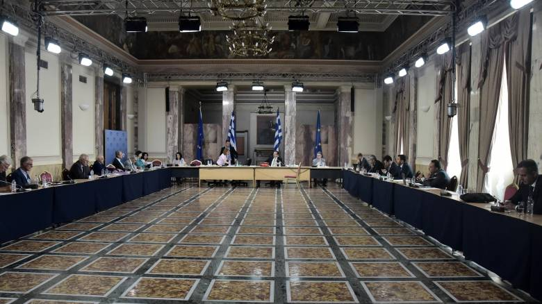 Πηγές ΣΥΡΙΖΑ: Γιατί αναμειγνύεται το όνομα Σαμαρά σε έγγραφο για μίζα
