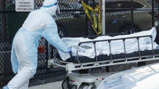 Κορωνοϊός στις ΗΠΑ: Σχεδόν νέοι 800 θάνατοι από COVID-19 σε 24 ώρες