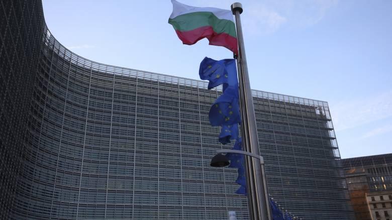 CNNi: Η Ευρωπαϊκή Ένωση εξετάζει μπλόκο στους Αμερικανούς τουρίστες λόγω κορωνοϊού