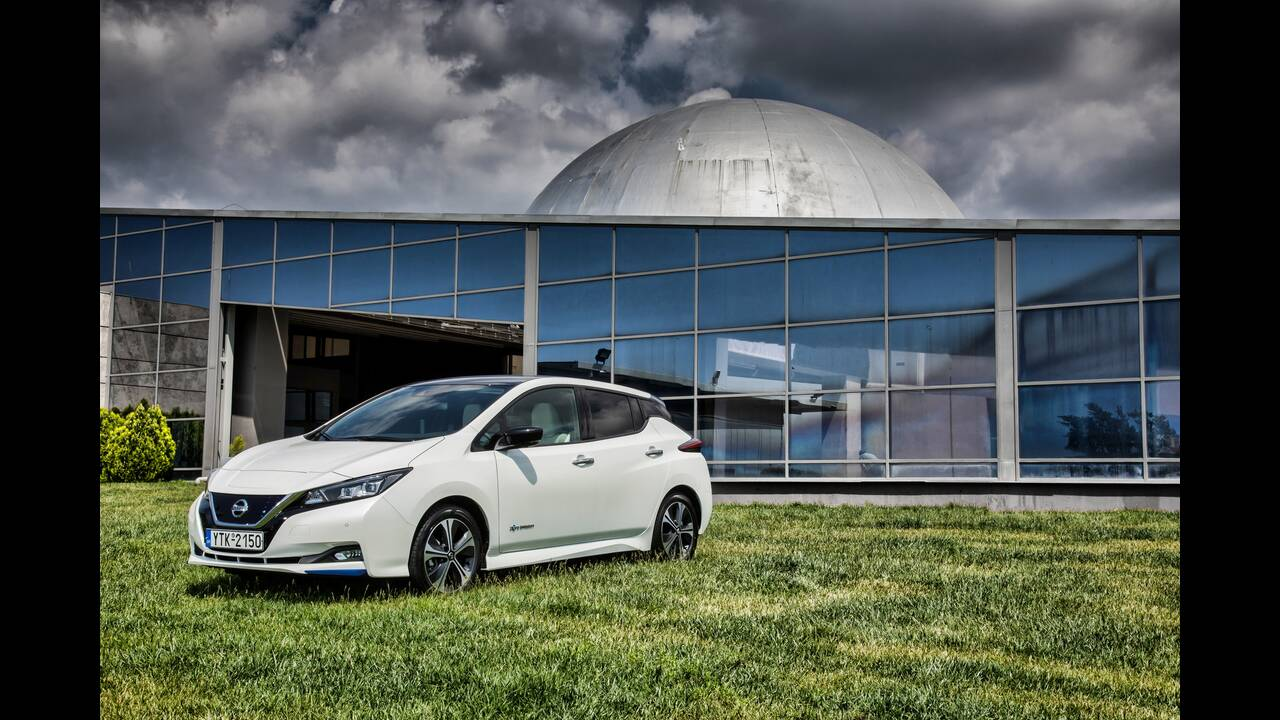 https://cdn.cnngreece.gr/media/news/2020/06/24/224608/photos/snapshot/NISSAN-LEAF-10.JPG