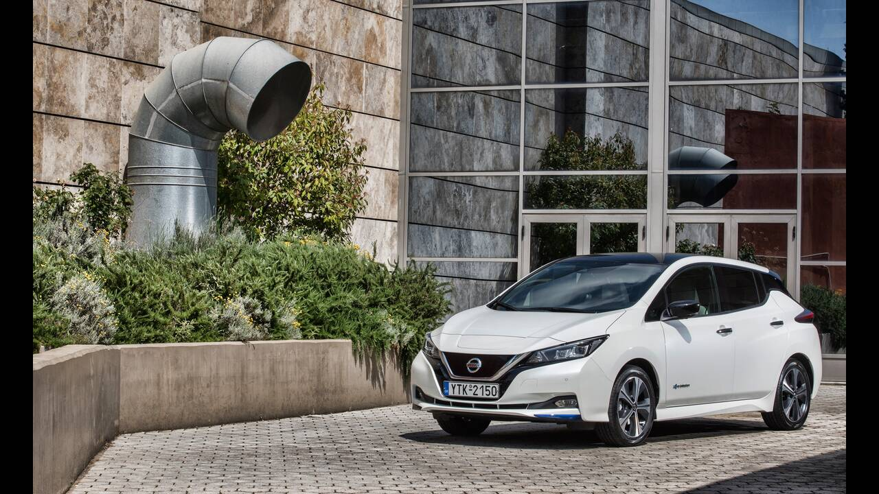 https://cdn.cnngreece.gr/media/news/2020/06/24/224608/photos/snapshot/NISSAN-LEAF-11.JPG