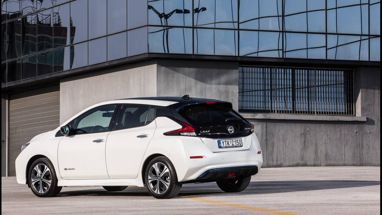 https://cdn.cnngreece.gr/media/news/2020/06/24/224608/photos/snapshot/NISSAN-LEAF-12.JPG