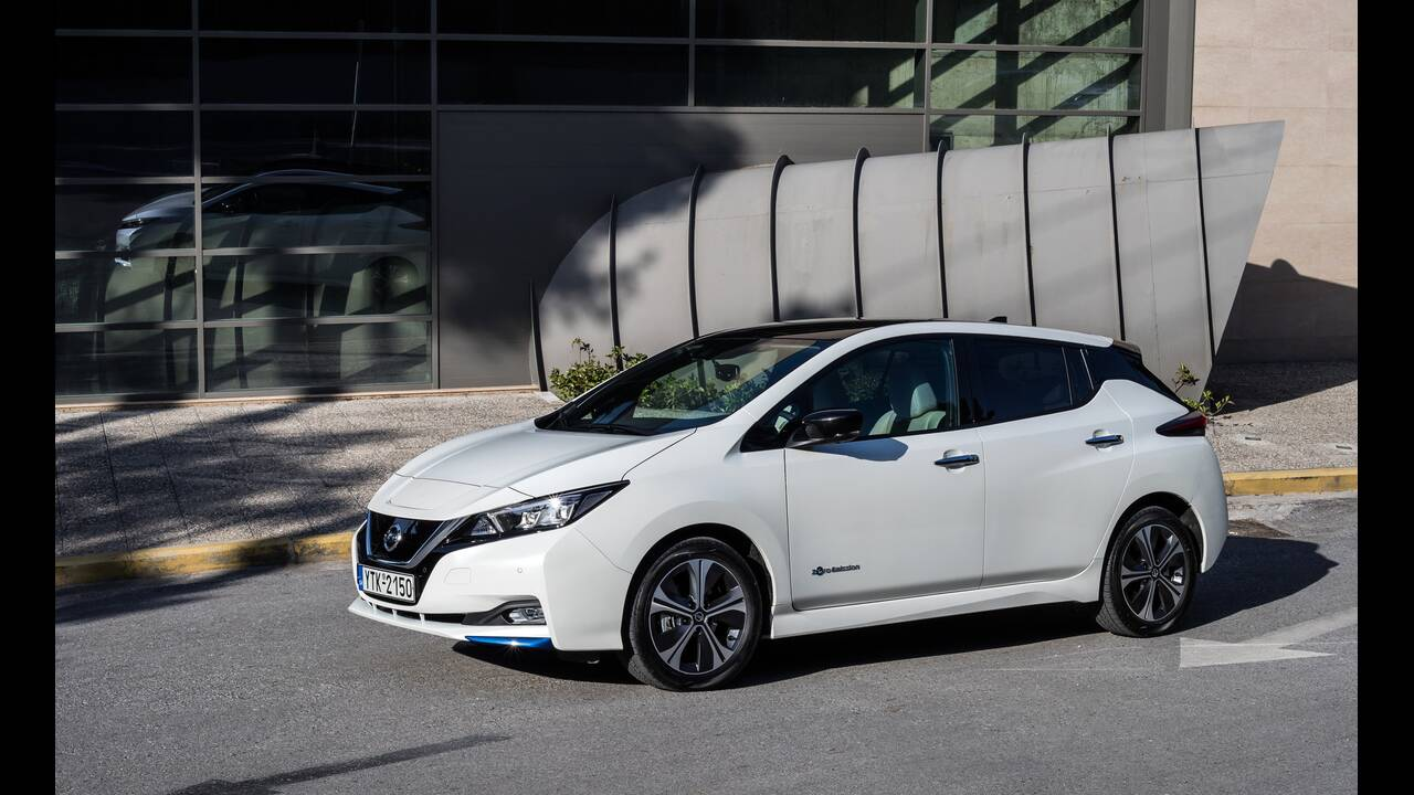 https://cdn.cnngreece.gr/media/news/2020/06/24/224608/photos/snapshot/NISSAN-LEAF-13.JPG
