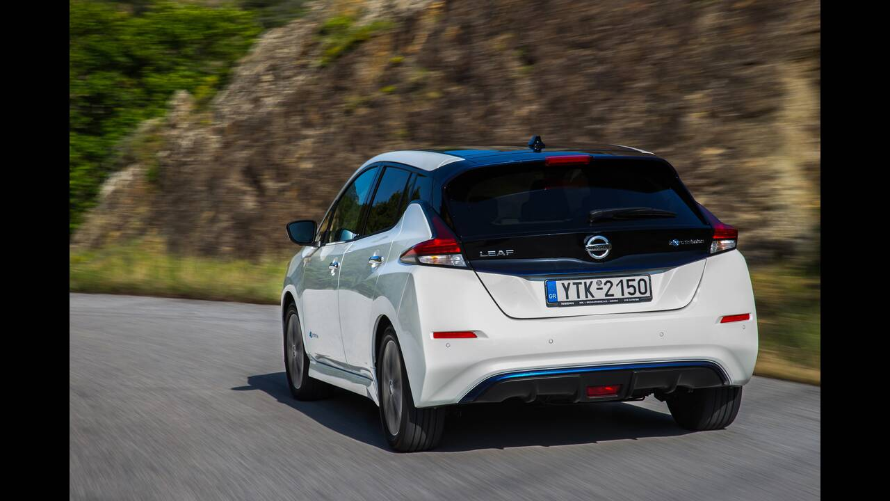https://cdn.cnngreece.gr/media/news/2020/06/24/224608/photos/snapshot/NISSAN-LEAF-14.JPG