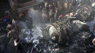 Πακιστάν: Σε ανθρώπινο λάθος οφείλεται η αεροπορική τραγωδία στο Καράτσι