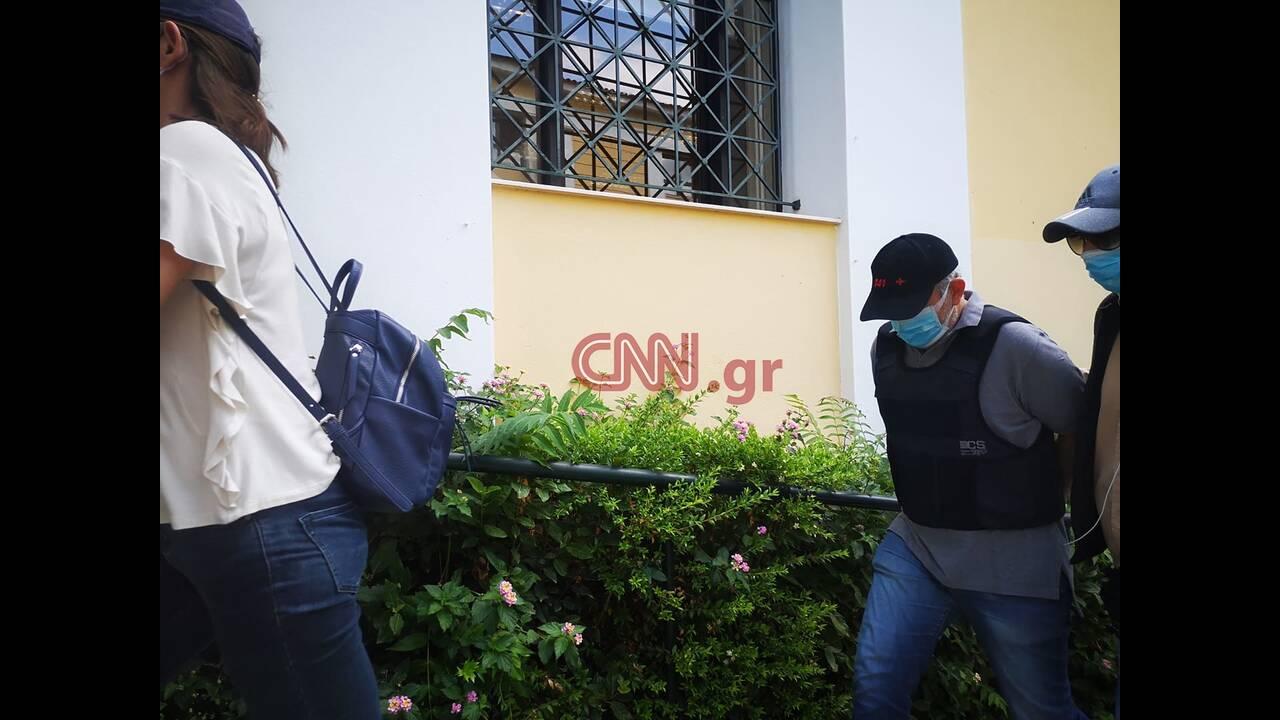 https://cdn.cnngreece.gr/media/news/2020/06/24/224661/photos/snapshot/giatros-maimou.jpg
