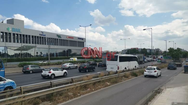 Κίνηση: Κυκλοφοριακή συμφόρηση στους δρόμους της Αθήνας - Ποια σημεία να αποφύγετε
