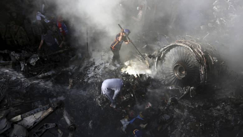Πακιστάν: Σχεδόν ένας στους τρεις πιλότους έχει ψεύτικο δίπλωμα, αποκάλυψε υπουργός