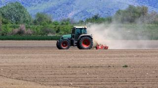 Απαλλάσσονται από το τέλος επιτηδεύματος 2019 οι κατ' επάγγελμα αγρότες