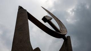 ΚΚΕ: ΝΔ - ΣΥΡΙΖΑ υπηρετούν τη συγκάλυψη της μπόχας των «πάρε-δώσε» με μεγαλοεπιχειρηματίες