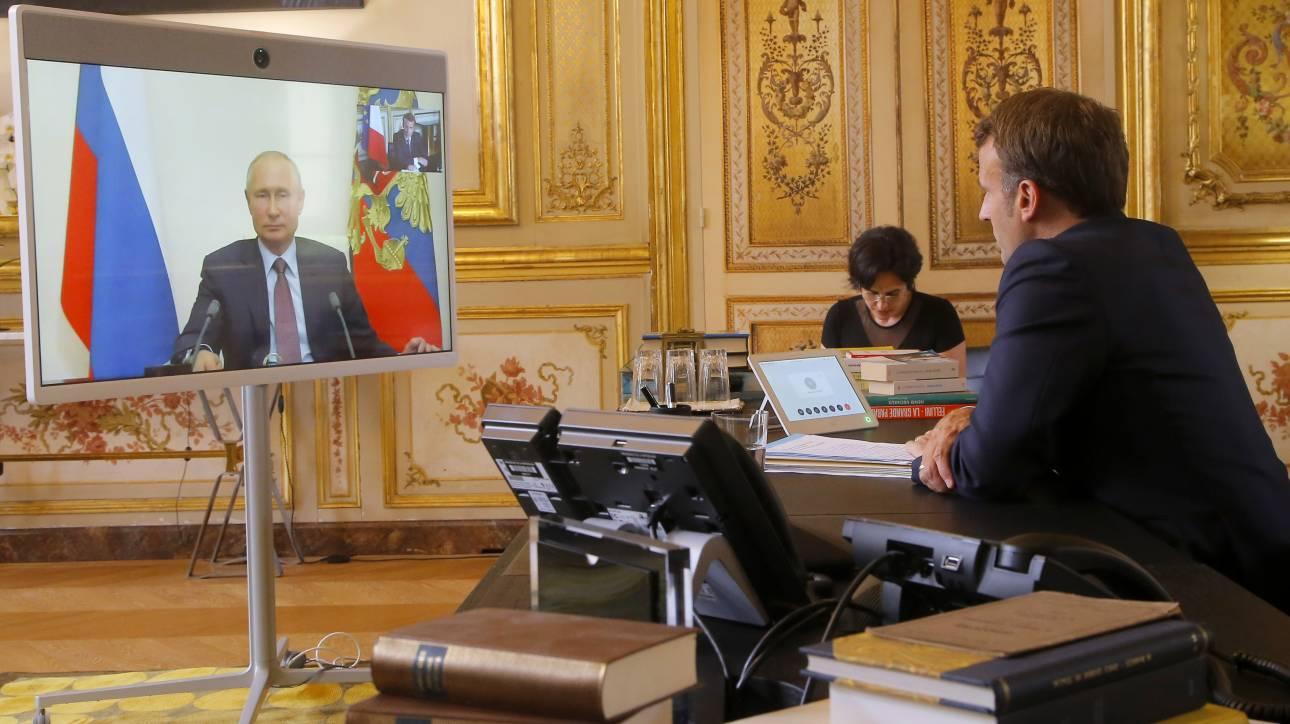 Τηλεδιάσκεψη Μακρόν - Πούτιν: Στο επίκεντρο η Λιβύη και μια ενδεχόμενη συνεργασία
