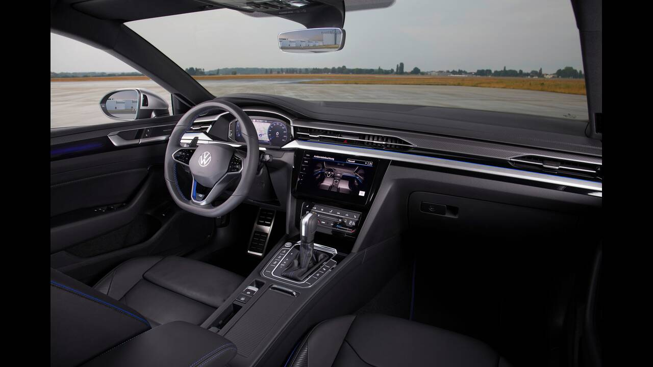 https://cdn.cnngreece.gr/media/news/2020/06/27/224994/photos/snapshot/VW-ARTEON-2020-13.jpg