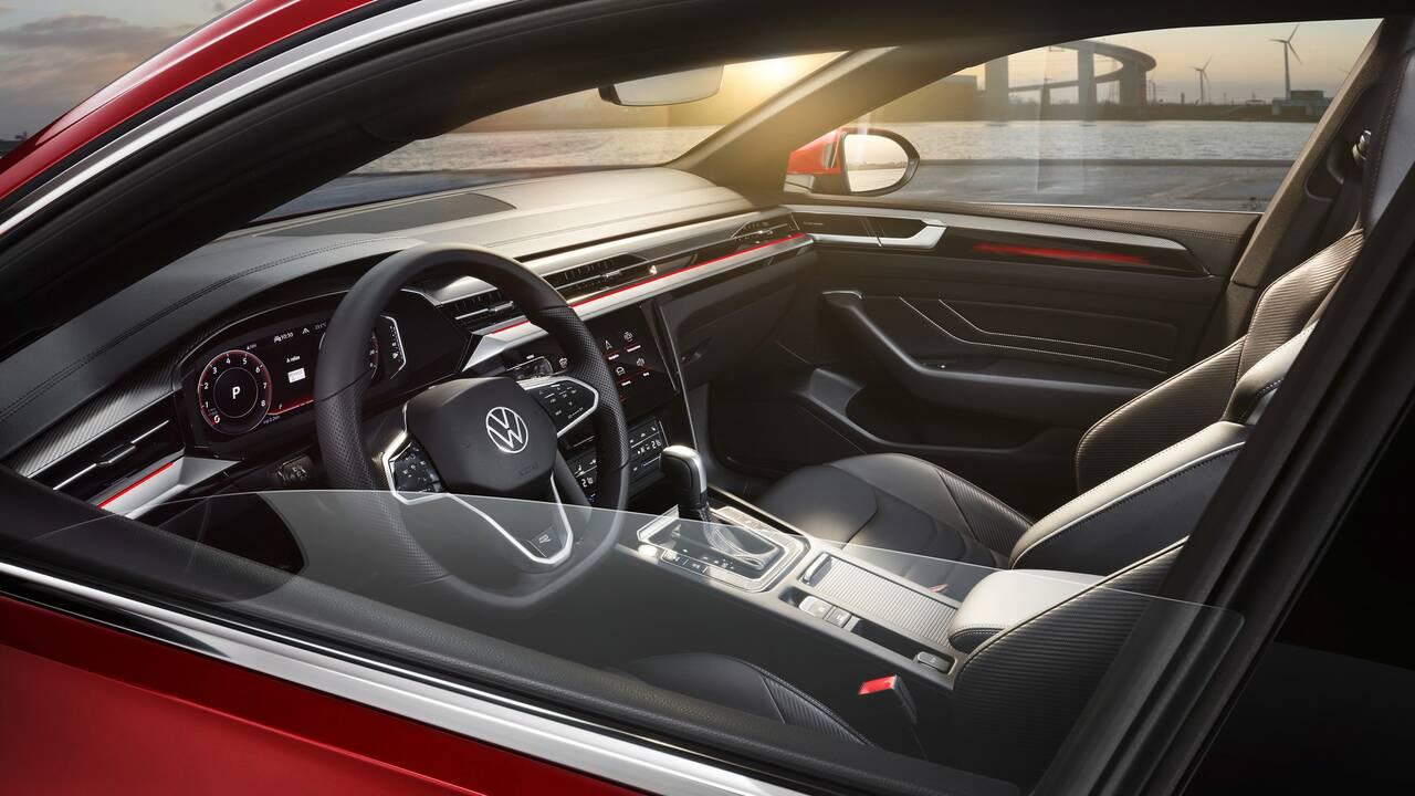 https://cdn.cnngreece.gr/media/news/2020/06/27/224994/photos/snapshot/VW-ARTEON-2020-6.jpg