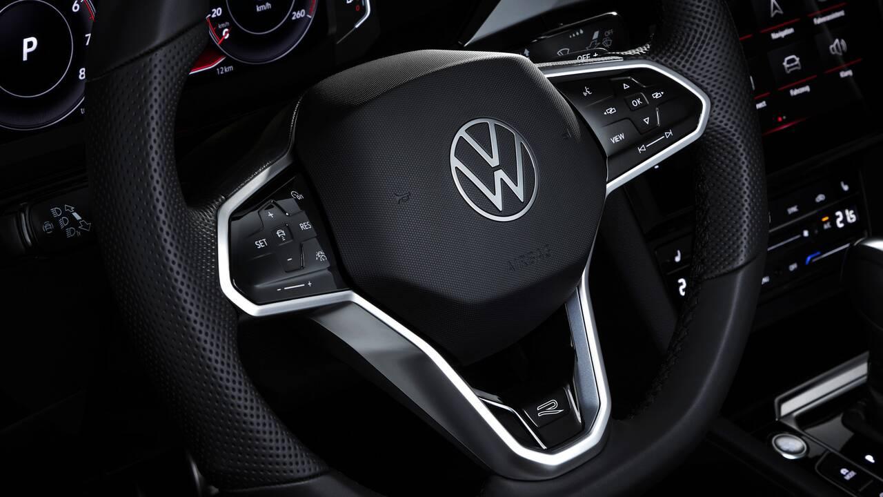 https://cdn.cnngreece.gr/media/news/2020/06/27/224994/photos/snapshot/VW-ARTEON-2020-7.jpg