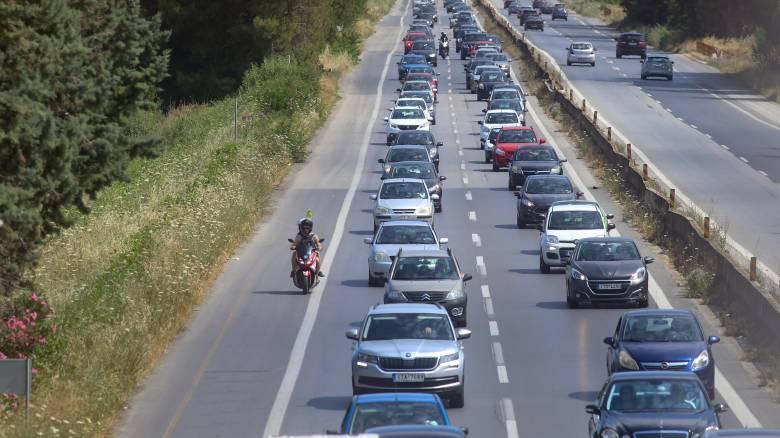 «Ανάσα» δροσιάς για τους Θεσσαλονικείς - Αυξημένη κίνηση στους δρόμους προς τις παραλίες