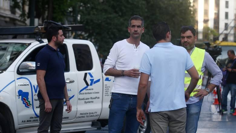 Μεταξουργείο: Επίθεση με μπουκάλια στον Μπακογιάννη - Πέντε προσαγωγές