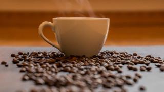 Ανεπηρέαστα από τον κορωνοϊό τα έσοδα από τον ΕΦΚ στον καφέ – Πληγή το λαθρεμπόριο