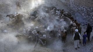 Πολύνεκρη βομβιστική επίθεση σε αγορά στο Αφγανιστάν
