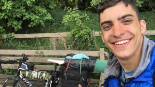 Σκωτία – Ελλάδα με… ποδήλατο: Διήνυσε 3.500χλμ για να επιστρέψει στην οικογένειά του!