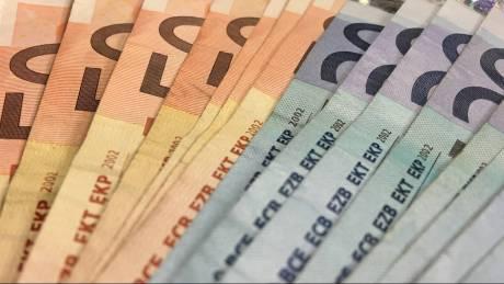 ΟΠΕΚΑ: Πότε καταβάλλονται επιδόματα και παροχές
