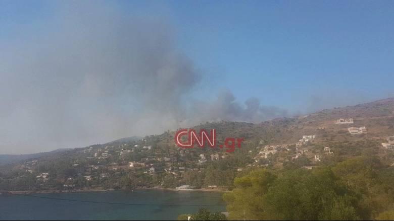 Φωτιά στην Αίγινα - Συναγερμός στην Πυροσβεστική