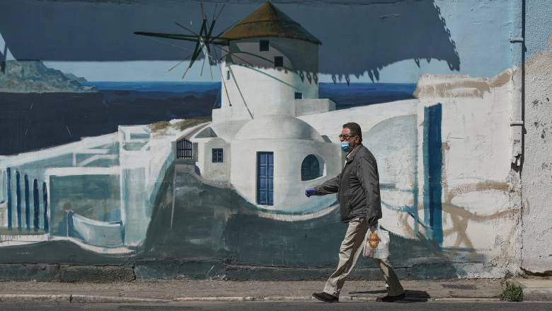 Μαγιορκίνης: Δεν αποκλείεται τοπικό lockdown σε κάποιο νησί