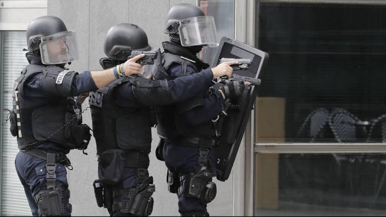Λήξη συναγερμού στο Παρίσι: Δεν βρέθηκε ένοπλος