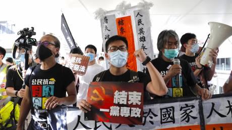 Δεκάδες συλλήψεις στο Χονγκ Κονγκ μετά την εφαρμογή του νόμου για την εθνική ασφάλεια