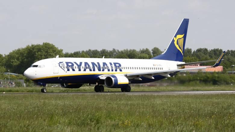 Ιρλανδία: Η Ryanair θα απολύσει 3.500 υπαλλήλους αν δεν δεχτούν μειώσεις στους μισθούς τους
