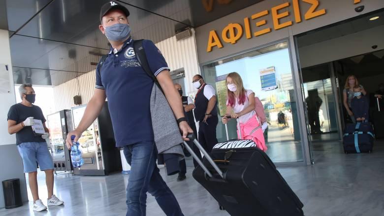 Κορωνοϊός: Αρνητικά τα πρώτα 250 τεστ στο αεροδρόμιο του Ηρακλείου
