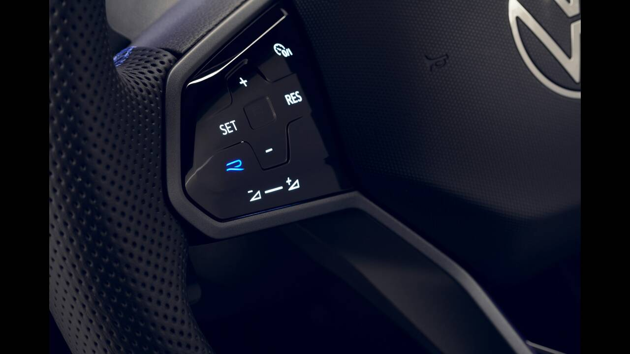 https://cdn.cnngreece.gr/media/news/2020/07/02/225708/photos/snapshot/VW-TIGUAN-R-8.jpg