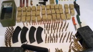 Όπλα, πυρομαχικά και λαθραία τσιγάρα εντοπίστηκαν σε ταχύπλοο στα Χανιά