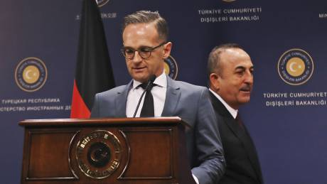Μάας σε Τσαβούσογλου: Σημαντικό οι σχέσεις Γαλλίας - Τουρκίας να είναι εποικοδομητικές