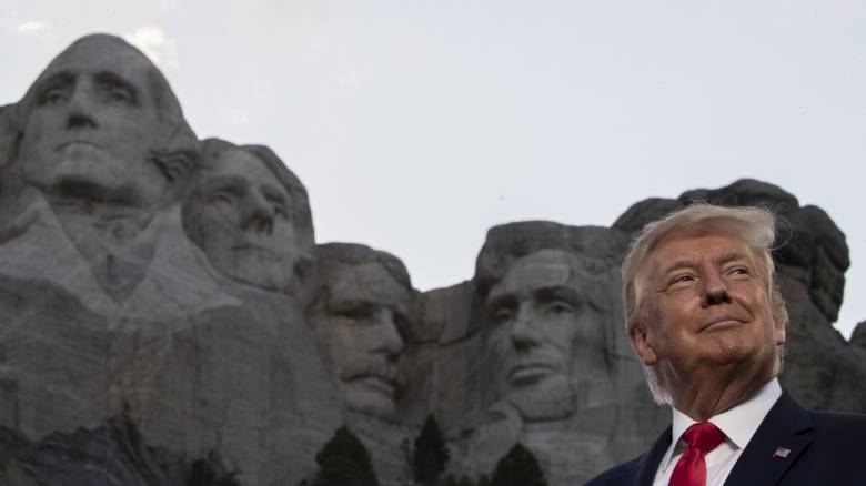 Φιέστα Τραμπ στο όρος Ράσμορ για την 4η Ιουλίου: Οι ΗΠΑ είναι η πιο δίκαιη και εξαιρετική χώρα