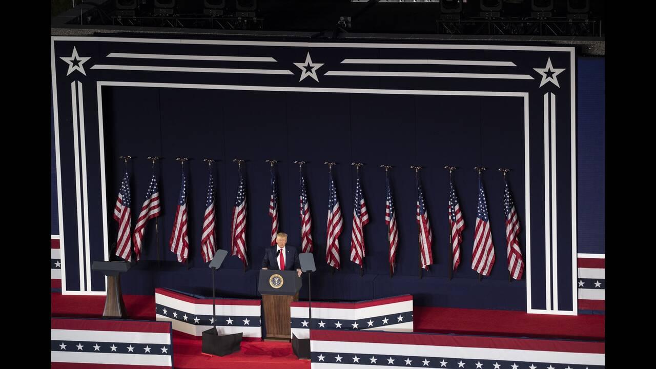 https://cdn.cnngreece.gr/media/news/2020/07/04/225941/photos/snapshot/trump_Rushmore-10.jpg