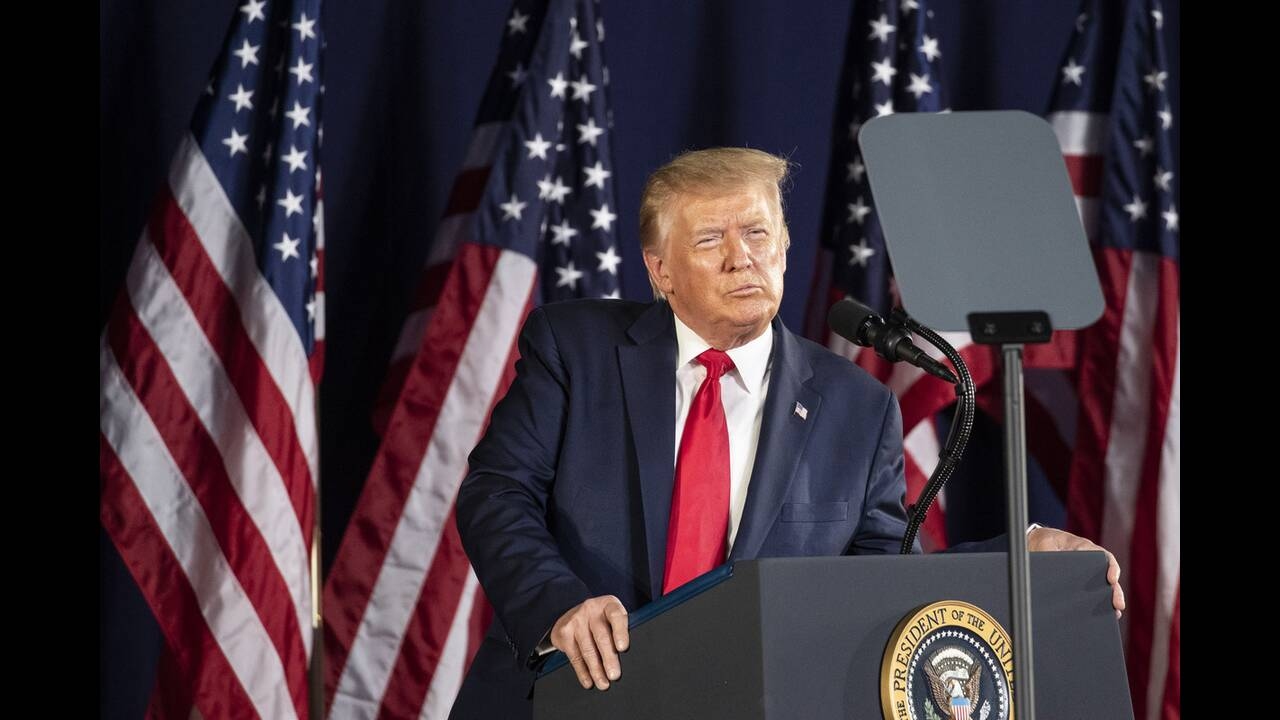https://cdn.cnngreece.gr/media/news/2020/07/04/225941/photos/snapshot/trump_Rushmore-11.jpg