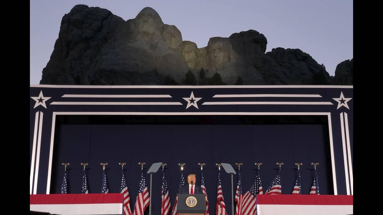 https://cdn.cnngreece.gr/media/news/2020/07/04/225941/photos/snapshot/trump_Rushmore-3.jpg