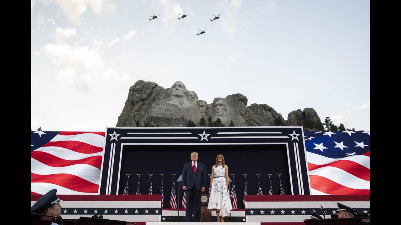 https://cdn.cnngreece.gr/media/news/2020/07/04/225941/photos/snapshot/trump_Rushmore-7.jpg