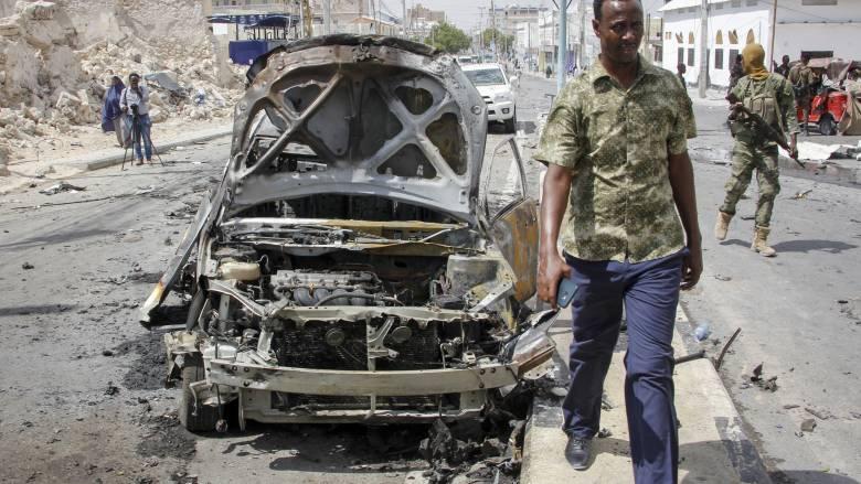 Έκρηξη παγιδευμένου οχήματος στην Σομαλία με τραυματίες