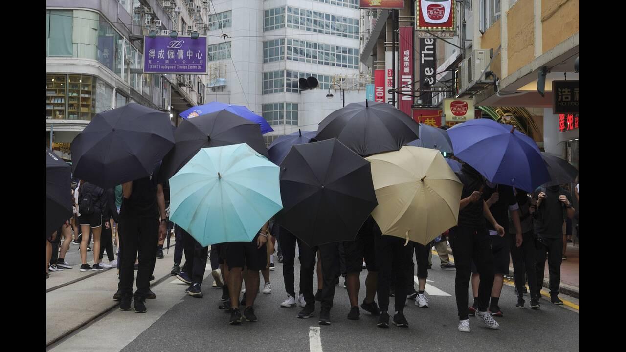 https://cdn.cnngreece.gr/media/news/2020/07/04/225967/photos/snapshot/hong_kong_syllipseis-1.jpg