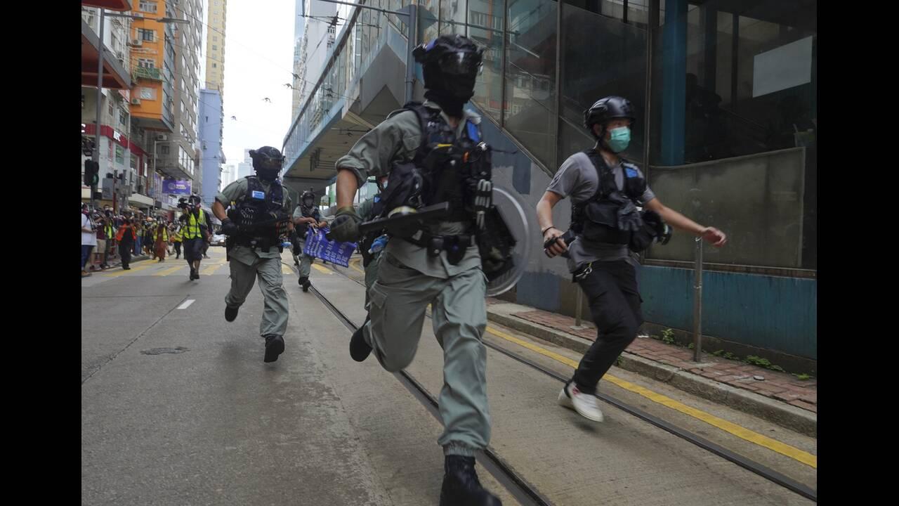 https://cdn.cnngreece.gr/media/news/2020/07/04/225967/photos/snapshot/hong_kong_syllipseis-6.jpg