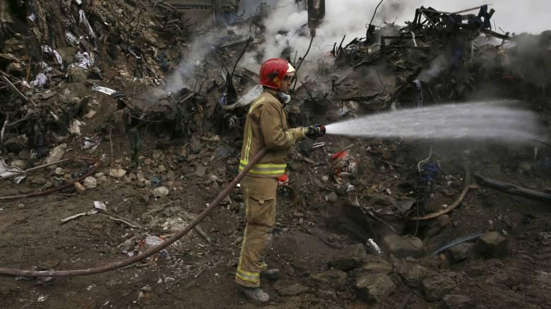 Φωτιά σε σταθμό παραγωγής ηλεκτρικής ενέργειας στο Ιράν