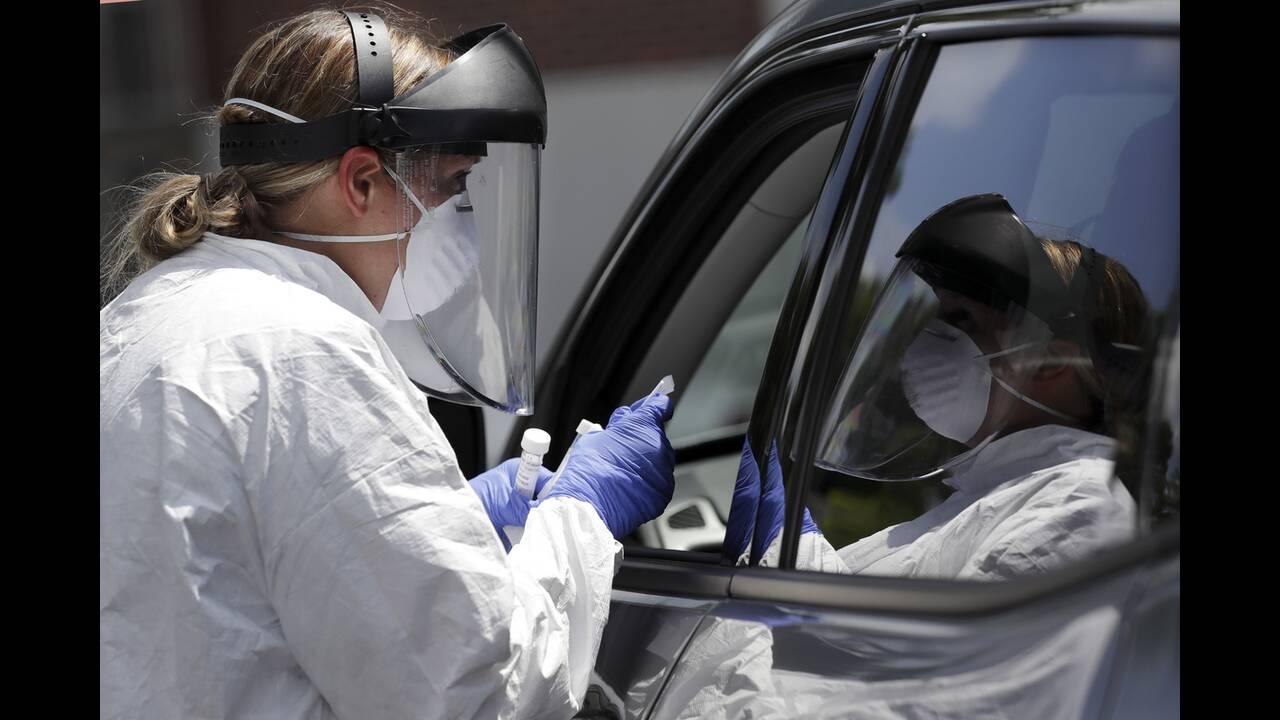 https://cdn.cnngreece.gr/media/news/2020/07/04/226015/photos/snapshot/usa_coronavirus-7.jpg