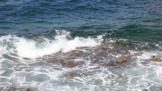 Παραλίγο τραγωδία στο Ηράκλειο: 10χρονη παρασύρθηκε από τα κύματα