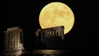 Πανσέληνος Ιουλίου: Το «Φεγγάρι του Κόκκινου Ελαφιού» στο Σούνιο