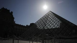 Ανοίγει σήμερα το Λούβρο: Με πολλούς περιορισμούς και απώλειες 40 εκατομμυρίων ευρώ