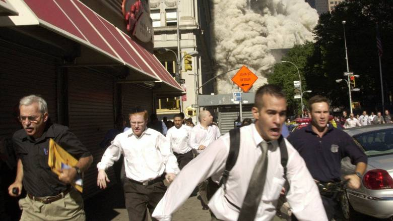 Πέθανε από κορωνοϊό ο πρωταγωνιστής μιας από τις εμβληματικότερες φωτογραφίες της 11ης Σεπτεμβρίου