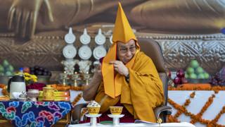 Ο Δαλάι Λάμα γιόρτασε τα 85α γενέθλιά του κυκλοφορώντας δίσκο